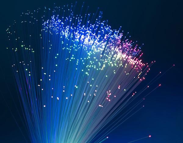 Réseau fibre optique ©Fotolia