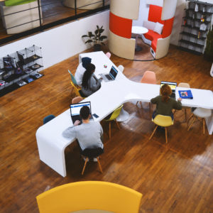 Hall 24, espace de coworking à Rouen vous propose 1000 m² en open-space