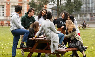 NEOMA Business School caracole en tête des classements
