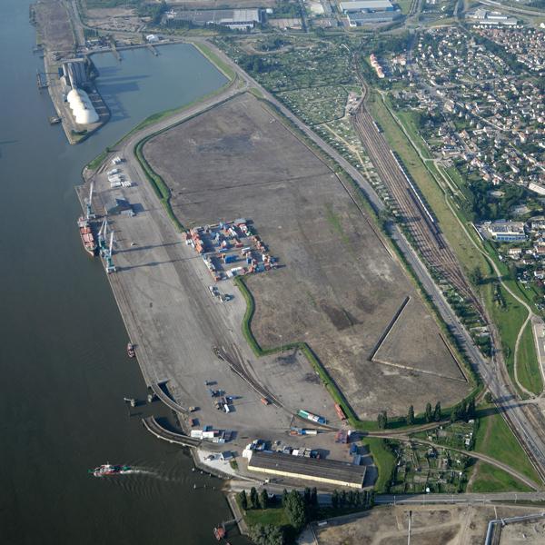 Terminal portuaire de Petit Couronne